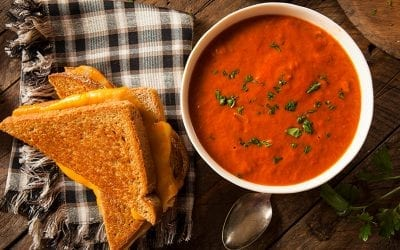 Easy & Fresh Vegan Tomato Basil Soup Recipe